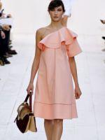 Платье с воланом – красивые повседневные и вечерние наряды