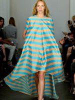 Платье в полоску – какое выбрать и с чем носить?