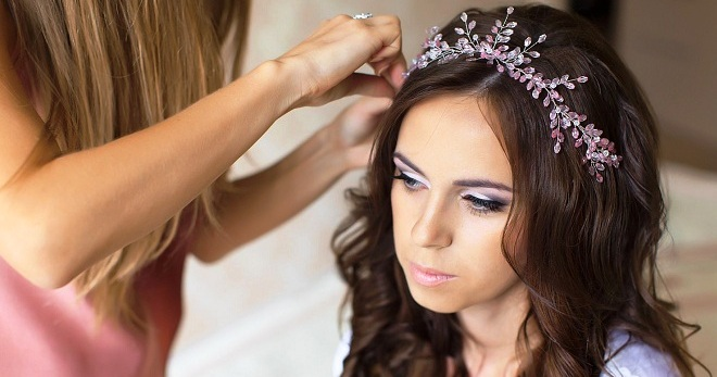 Свадебные украшения для волос – самые красивые аксессуары для невесты