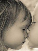 Какого числа Всемирный День поцелуя?