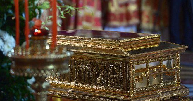 Что такое мощи - как правильно прикладываться к мощам святых?