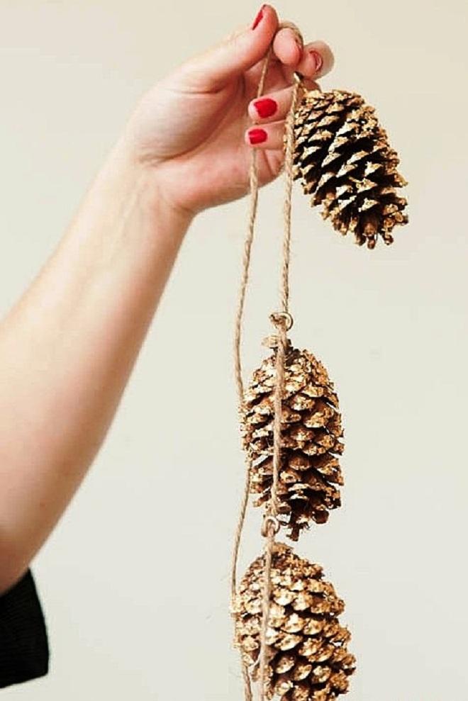 новогодние поделки из шишек своими руками8