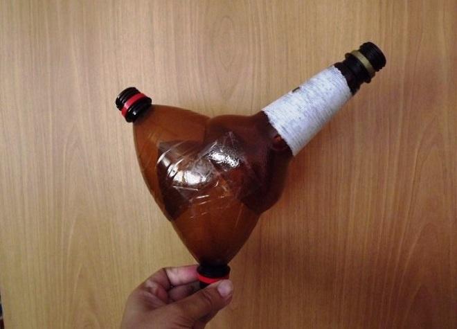 поделка петуха из пластиковых бутылок13