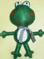 Лягушка из фетра - веселая игрушка своими руками
