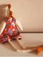 Тильда курица с длинными лапками - интерьерная игрушка своими руками