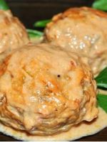 Тефтели в духовке в сметанном соусе - оригинальные идеи вкусного горячего блюда с подливкой