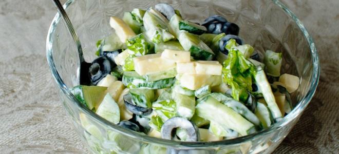 простой салат с оливками