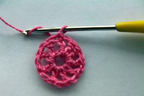 вязание цветка крючком для начинающих 3