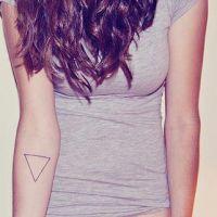 что значит тату треугольник