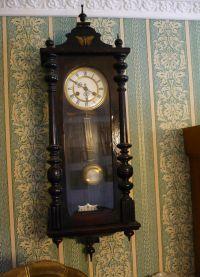 Настенные часы из дерева8