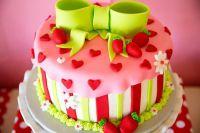как украсить торт мастикой для начинающих 3