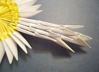 как сделать из бумаги ромашку 29