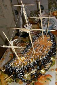 корабль из конфет мастер класс34