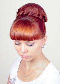 прическа с валиком для волос 6