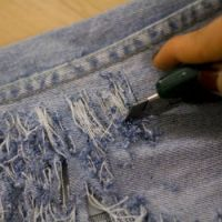 рваные джинсы своими руками6