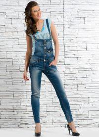 с чем носить джинсовый комбинезон 2