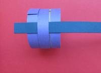 Как сделать кольцо из бумаги5