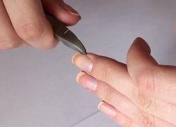 как придать ногтям квадратную форму 1