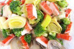 салат крабовые палочки с капустой