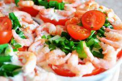 салат кальмары креветки крабовые палочки яйца