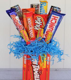 Подарки из конфет10