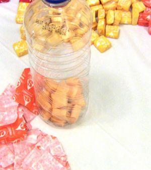 Подарки из конфет29