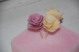 Как украсить торт цветами из мастики 10