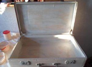 декупаж чемодана10