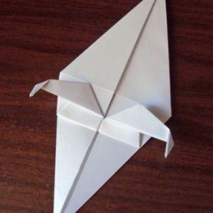 Как сделать из бумаги попугая 17
