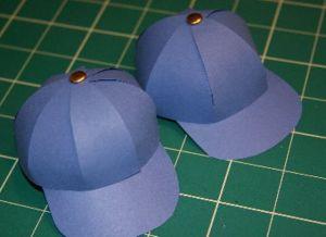 как сделать шапку из бумаги_22