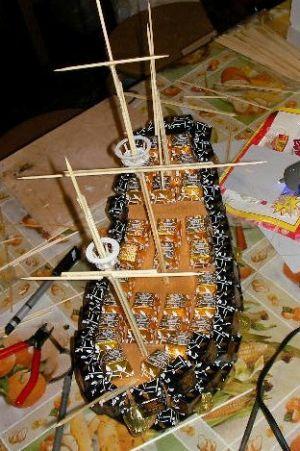 корабль из конфет мастер класс23
