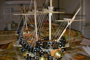 корабль из конфет мастер класс36