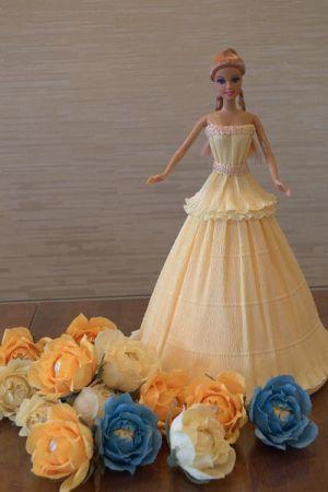 кукла из конфет13
