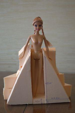 кукла из конфет2