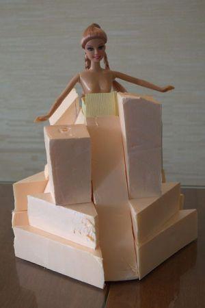 кукла из конфет5