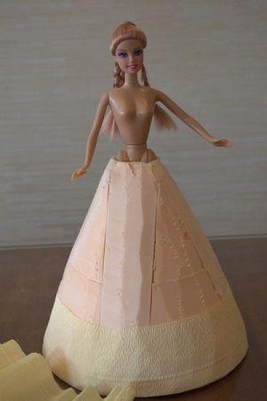 кукла из конфет8