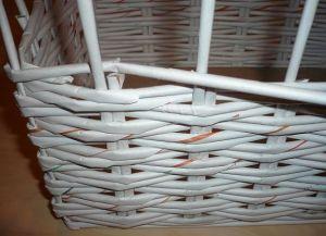 плетение из газет квадратной корзины4