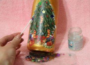 Декупаж новогодних бутылок36