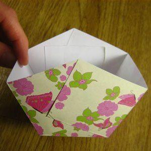 Как сделать из бумаги корзинку11