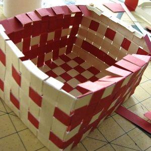 Как сделать из бумаги корзинку5