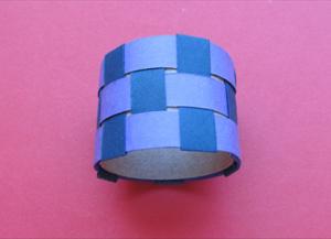 Как сделать кольцо из бумаги10