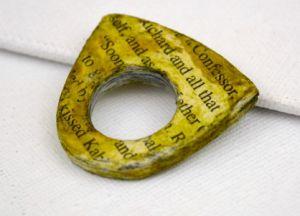 Как сделать кольцо из бумаги14