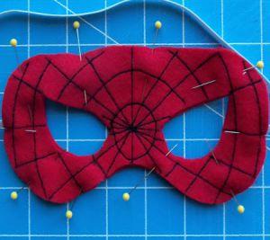 Как сделать маску человека-паука11