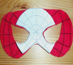 Как сделать маску человека-паука7