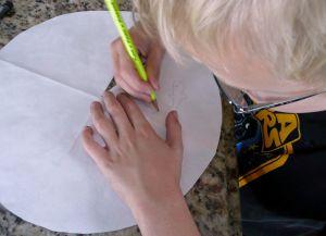 Как сделать парашют из бумаги15