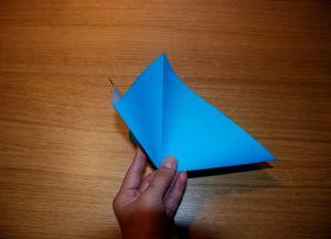 Как сделать лилию из бумаги 2