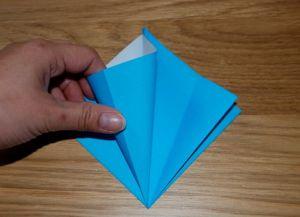 Как сделать лилию из бумаги 6