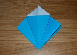 Как сделать лилию из бумаги 7