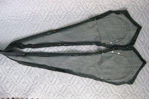 жилетка из старых джинсов10
