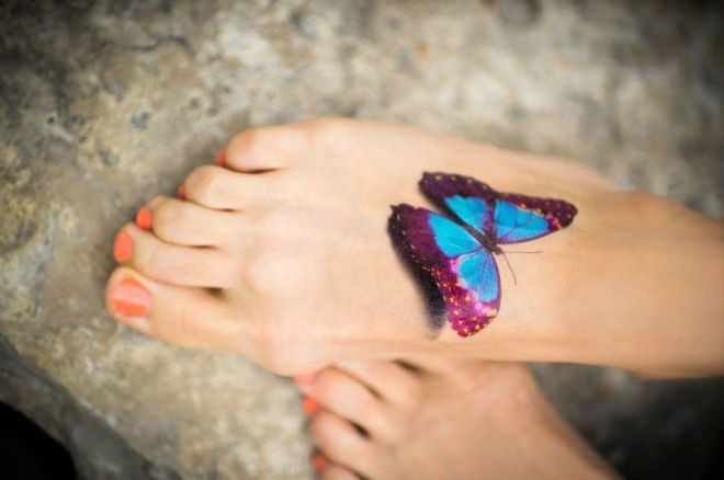 бабочка на ноге объемная